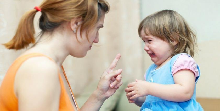 أستشاري نفسي يوضح أضرار ضرب الطفل والشرع بريء من