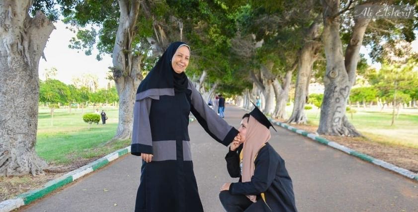 فوتوسيشن احسان ووالدتها