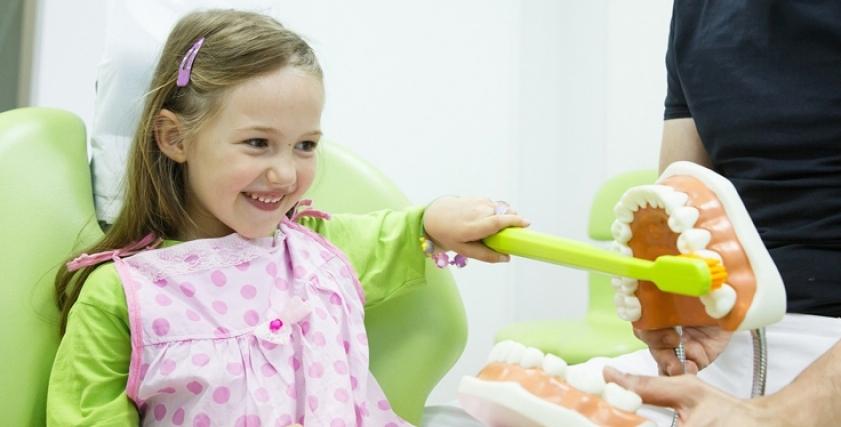 نصائح للحفاظ على أسنان طفلك