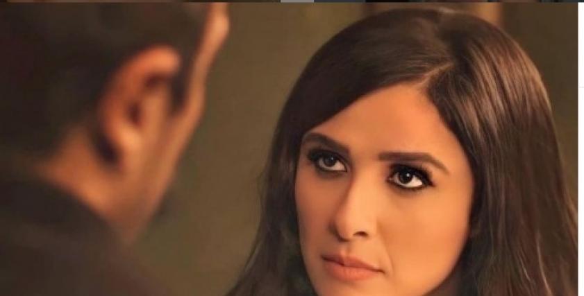 بعد خضوعها لعملية جراحية.. 16 صورة رومانسية تجمع ياسمين عبدالعزيز وأحمد العوضي