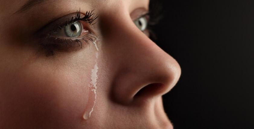 حكم بلع الدموع أثناء الصيام
