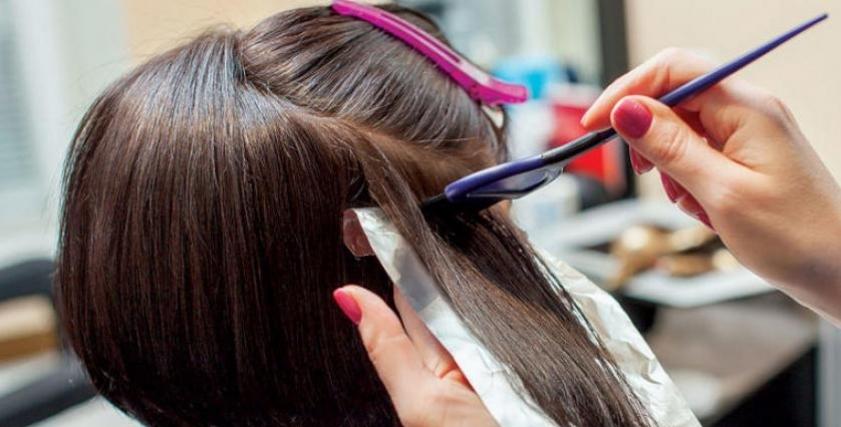 استخدام صبغات الشعر بشكل متكرر يزيد خطر الإصابة بسرطان الثدي