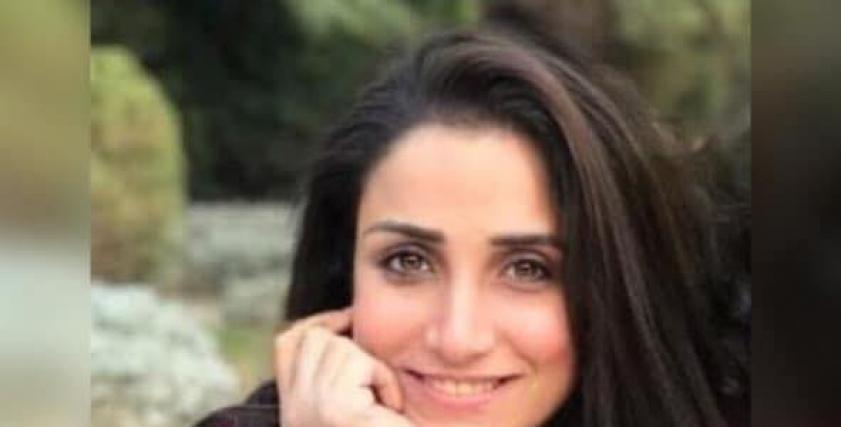 نيفين حشمت تؤسس ورشة لصناعة الباروكة