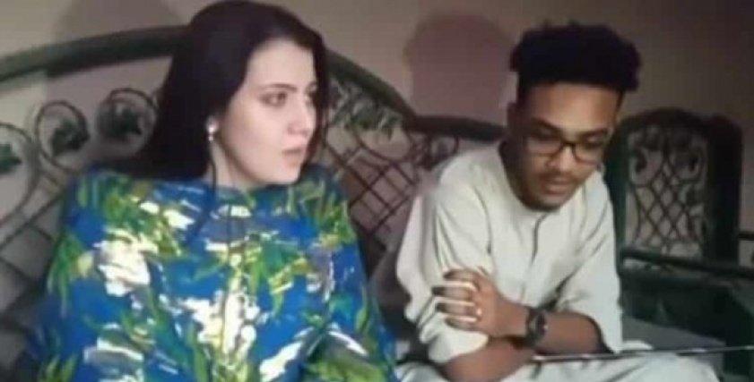 بالفيديو  أمريكية تعتنق الإسلام للزواج من سوداني