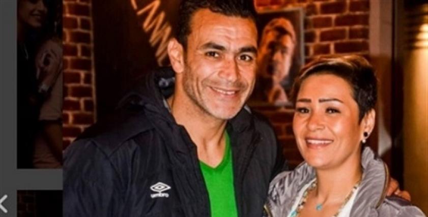 عصام الحضري مع زوجته
