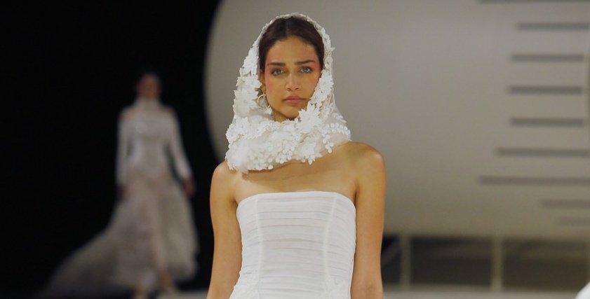 فساتين زفاف 2019 بتوقيع يولان كريس في أسبوع الموضة ببرشلونة
