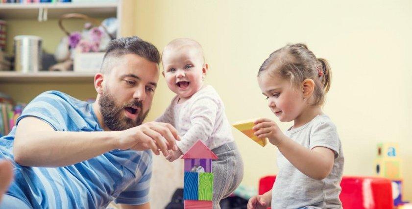لعب الآباء مع الآبناء