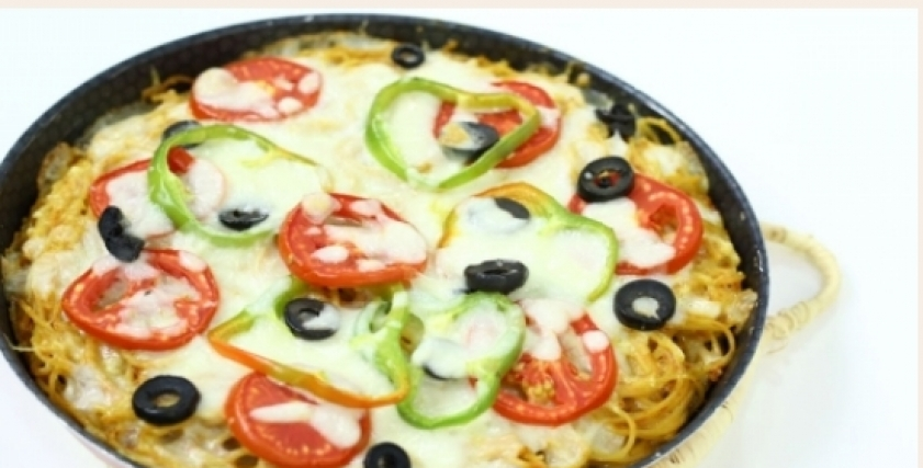 بيتزا مكرونة