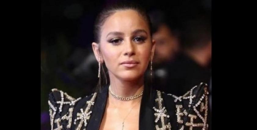 «جامب سوت» وفساتين أنيقة.. إطلالات الفنانات في حفل جوائز «دير جيست»