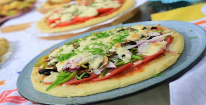 طريقة عمل عجينة العشر دقائق للبيتزا