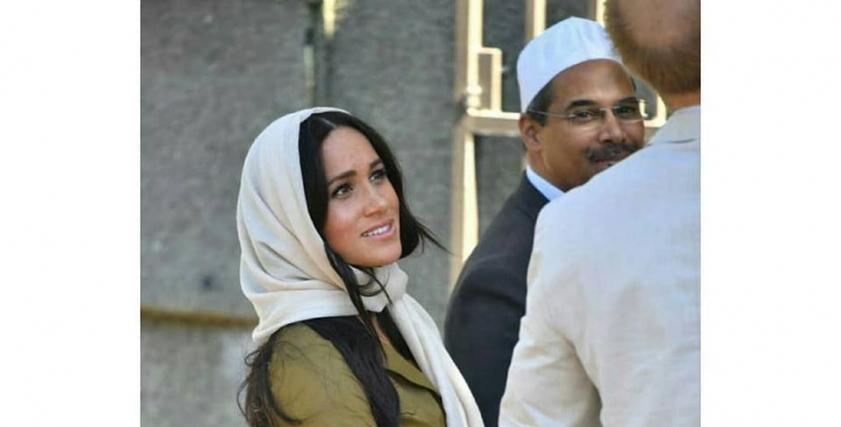 ميجان ميركل بالحجاب في مسجد بجنوب أفريقيا