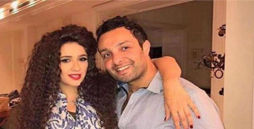 ياسمين عبدالعزيز وشقيقها