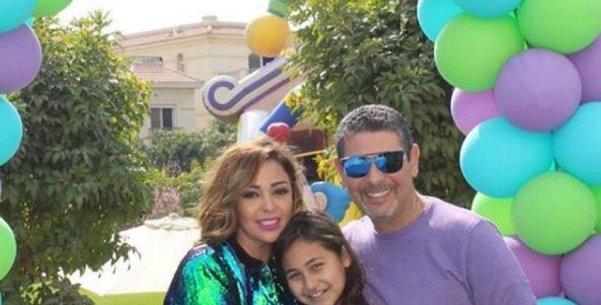 داليا البحيري مع زوجها وابنتها