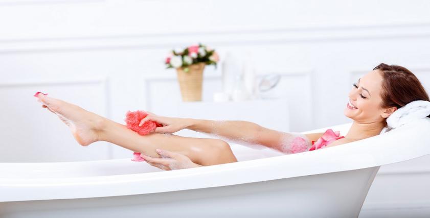 الاستحمام بالماء الساخن  يحمي من النوبات القلبية والسكتات الدماغية
