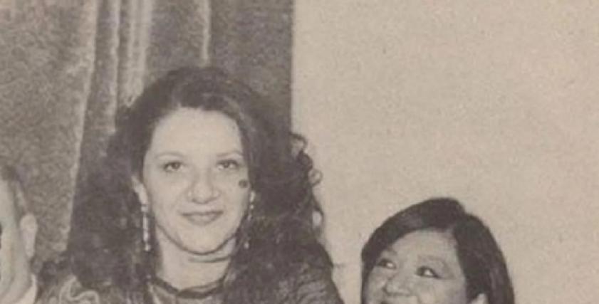 الراحلة شويكار مع ابنتها منة