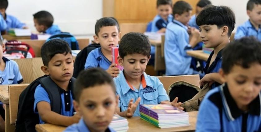 أمهات تستغيث من زيادة مصروفات المدارس