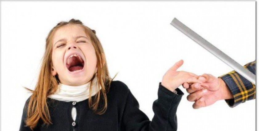 دراسة: ضرب الأطفال يحولهم للعدوانية والانتحار عند البلوغ