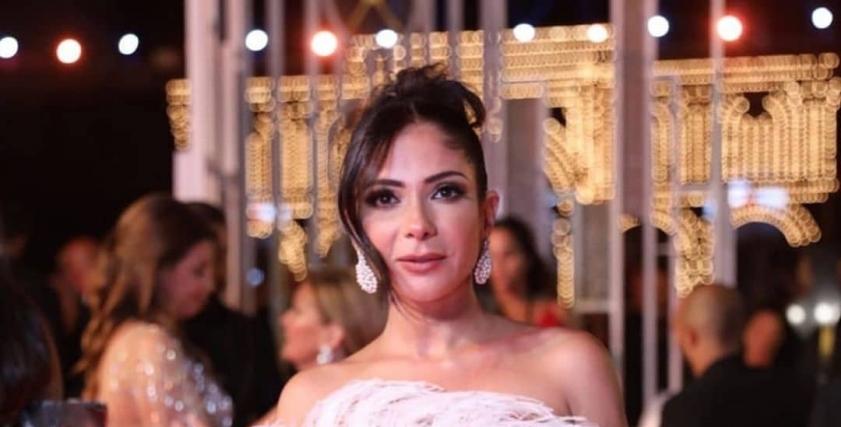 الفنانة منى ذكي في حفل افتتاح مهرجان الجونة السينمائي
