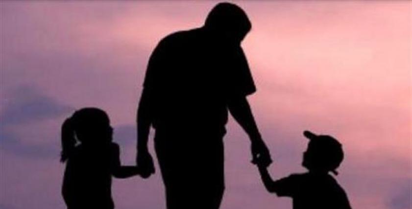 ما حكم كفالة من عجز والدها عن حضانتها والإنفاق عليها