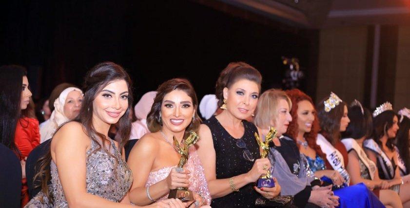 تكريم أنوشكا وروجينا و عائشة بن احمد وزيزي عادل  فى مهرجان ميدل است فاشون