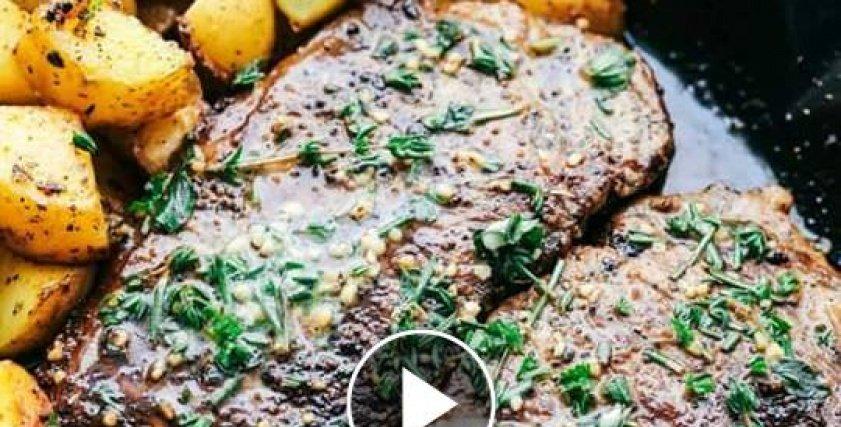 بالفيديو| طريقة عمل شرائح اللحم مع زبدة الثوم والبطاطس