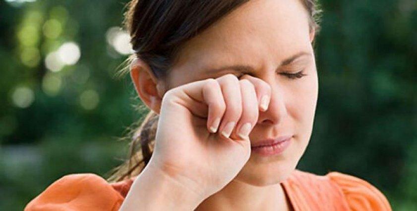 طبيب عيون: يقدم 5 نصائح لتفادي حساسية العين في العاصفة الترابية