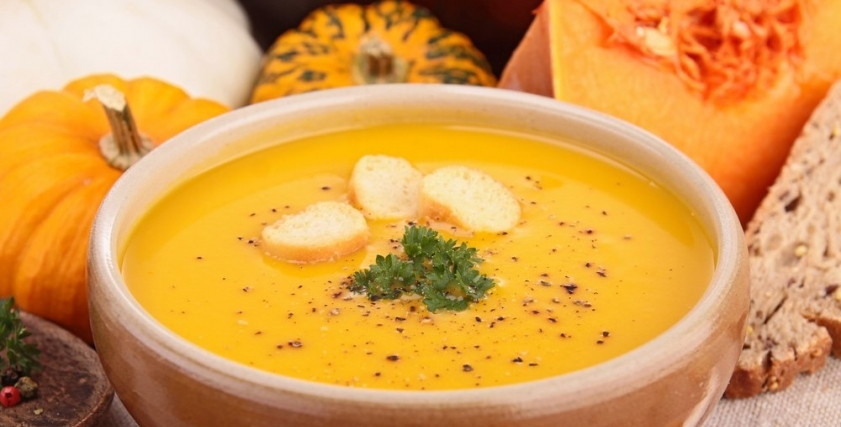 اطعمة ومشروبات تساعد على تدفئة الجسم بعد سقوط الأمطار