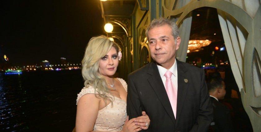 صور عائلية جديدة من حفل زفاف توفيق عكاشة وحياة الدرديري