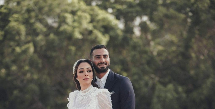 الفنان محمد الشرنوبي وزوجته