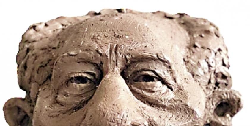 الرئيس الراحل السادات في تمثال كاريكاتير