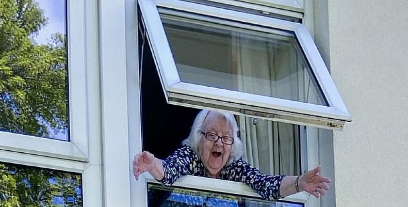 الجدة جوان كارترايت