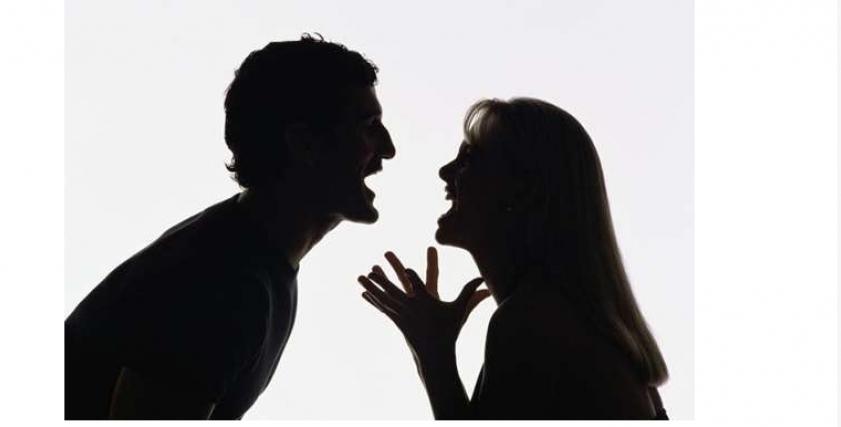 موظفة تخلع زوجها بسبب خلاف على اسم طفلهما