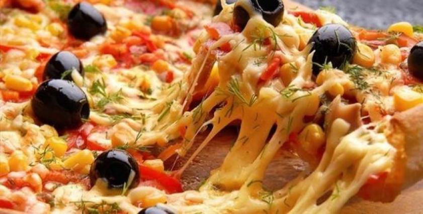 طريقة عمل عجينة بيتزا المطاعم