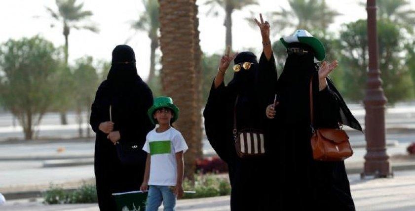 هن الملك ينتصر للأم السعودية يثير الجدل على تويتر بعد تجنيس أبناء السعوديات