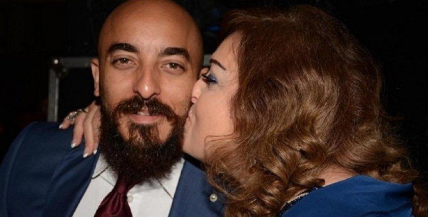 حسام الحسيني ووالدته نهال عنبر