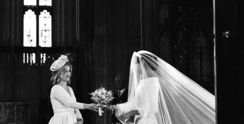 بعد مرور عام على زواج ميجان وهاري ..  حقيقة المرأة التي سلمتها ميجان ماركل باقة الورود
