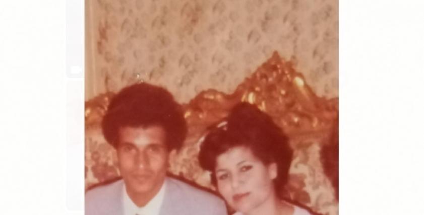 محمد عثمان يصلح الطريق الذى تعثرت فيه زوجته قبل وفاتها