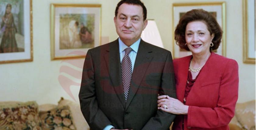الراحل حسني مبارك وزوجته سوزان