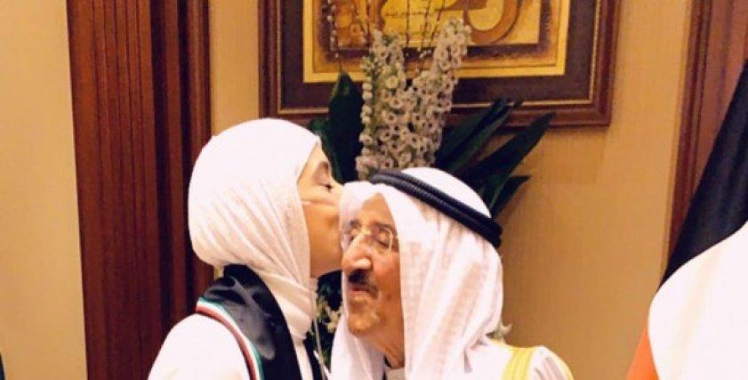 بالصور  محاربة السرطان الشهيرة تلتقي بأمير الكويت: