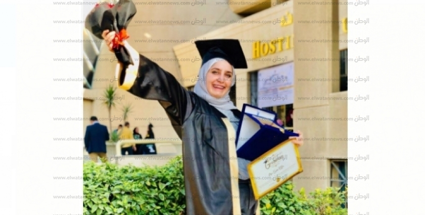 فتاة سورية تواجه ظروف الحرب وتتفوق دراسيًا في مصر