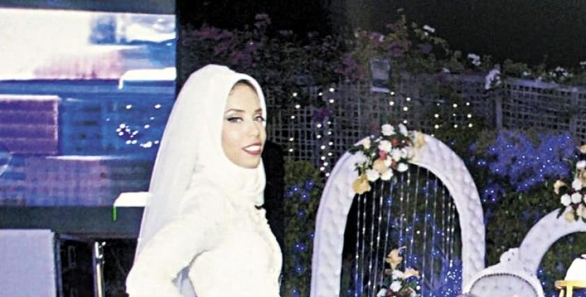 هبة تظهر بفستان زفاف كالأميرات