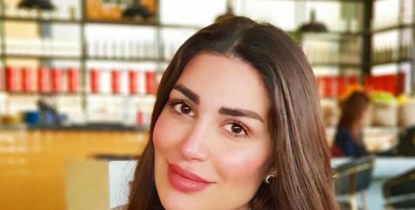 سارة نخلة