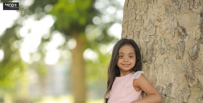 الطفلة ريتال اسماعيل أول موديل من متلازمة داون