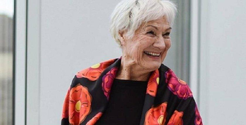 عجوز بريطانية تصبح عارضة أزياء بعدما بلغت الـ80 من عمرها: