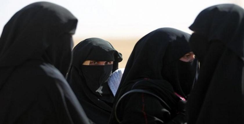 مرصد الإفتاء يحذر من نساء داعش
